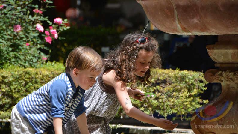 Familiensinn der Spanier: Kinder in Spanien